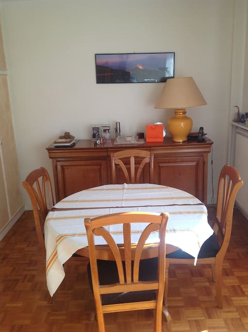 Dinning room can be expanded for 6 persons