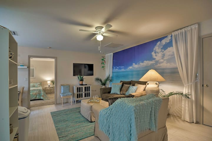 Sarasota Home - Perfect Location by Town, Beaches!