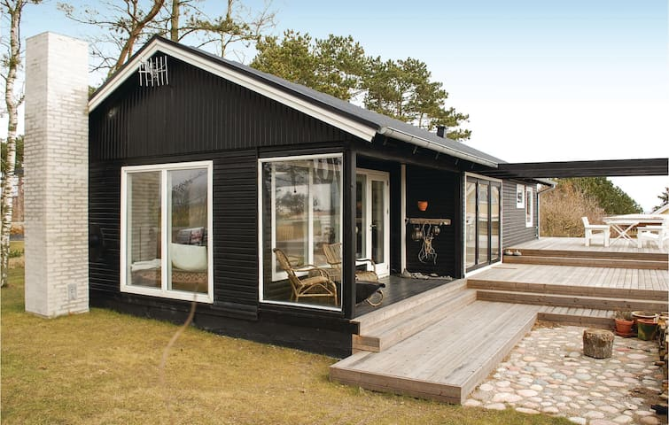 Holiday cottage with 3 bedrooms on 81m² in Ebeltoft