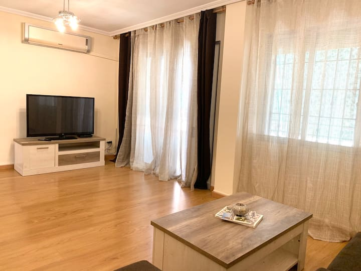 Modern apartment 15min from center with wifi