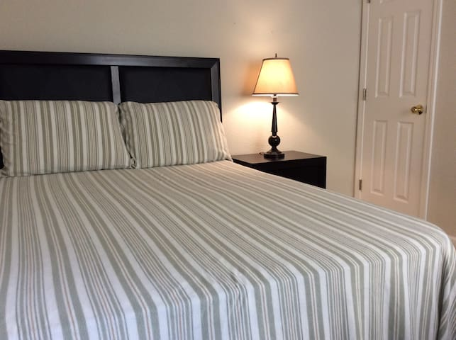 Private Bed+Bath near VTA, BART, Great Mall - Milpitas - Pousada