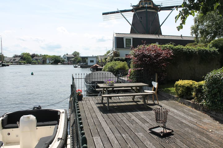 Charming house next to a river, close to Amsterdam