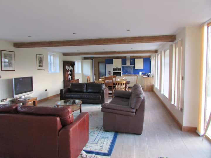 The Oaks at  Kenwick Lodge  sleeps 10 or 22 or 30