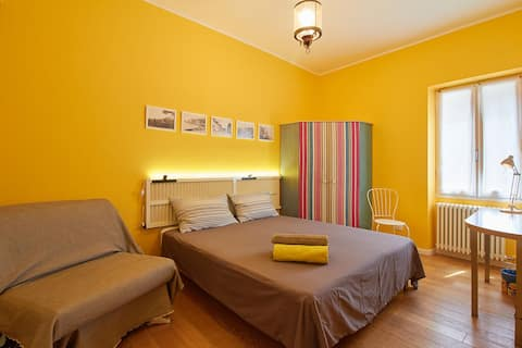 Yellow room in Finalborgo CITRA: 009029-AFF-0006
