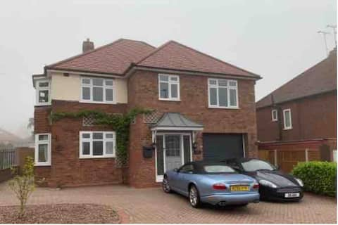 Beautiful  spacious 4  bed Detached House.