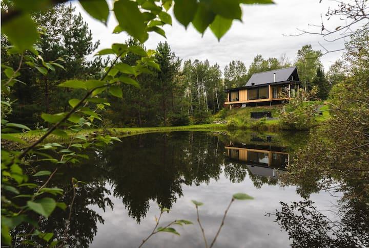 MAISON MYKINES - Chalet en nature. Spa. Lac privé.