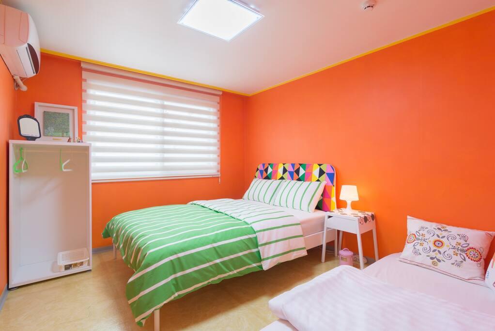 Jj guesthouse orange room itaewn chambres d 39 h tes louer yongsan gu s oul cor e du sud - Chambre d hotes orange ...