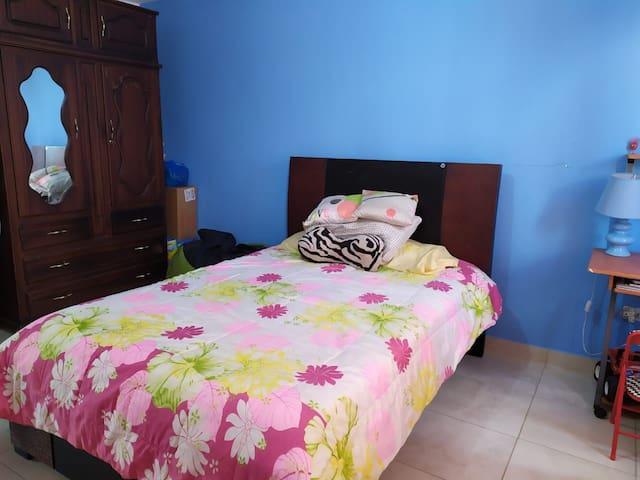 Rento Habitación en el valle de Tumbaco