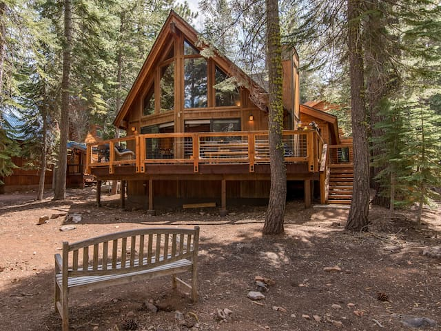 3BR Tahoe Donner House on Golf Course