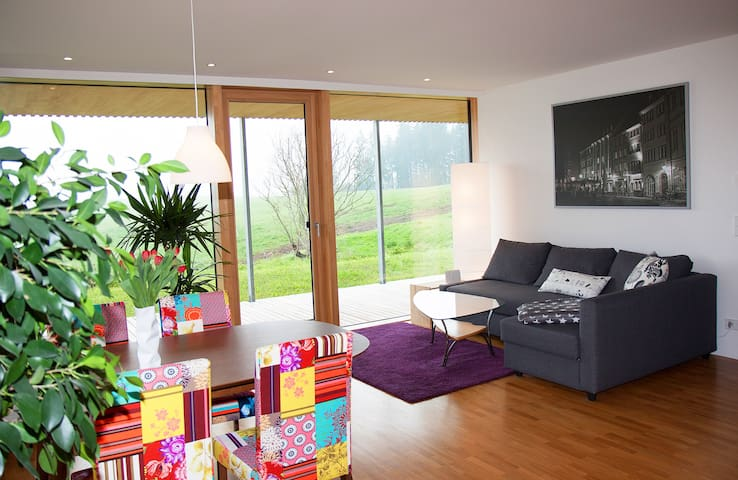 Modern living in Black Forest - Sankt Georgen - Apartment