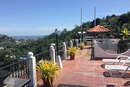 Shared Hillside Apartment with Amazing View - Port of Spain