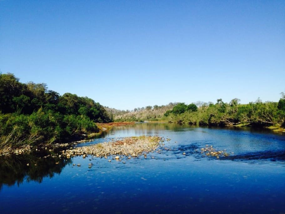 Canoe, fish and swim in the beautiful Macleay River which fronts the property.