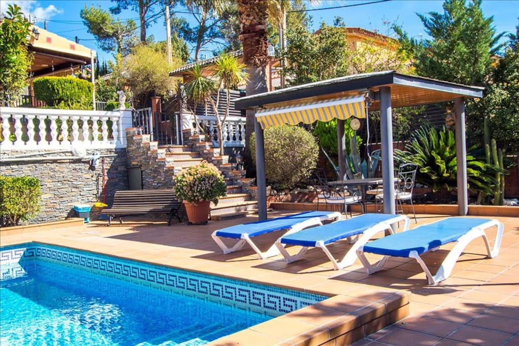 Beautiful Mountain Villa In Torrelles With A Large Private Pool 15km From Barcelona Villas