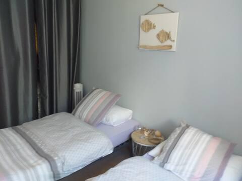 Loue chambre dans villa