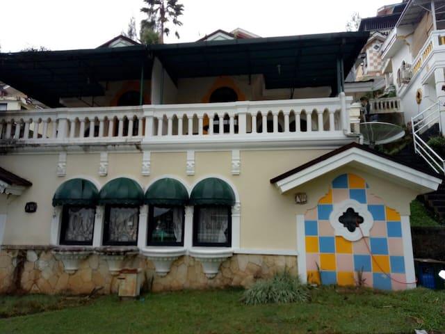 Villa Tetty Kota Bunga Puncak