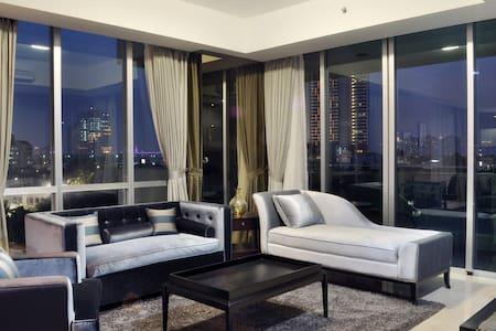 Stunning Modern 3Br Apartment in Ritz, Kemang