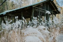 Photographer treylane_captures took this beautiful photo. The tall grasses are their most beautiful in mid October.