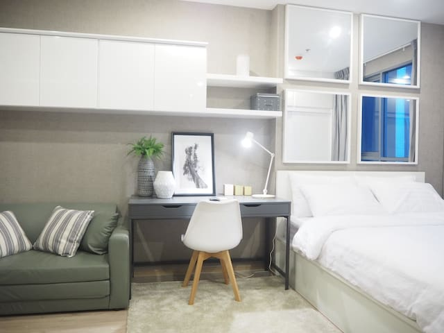 NEW HIGH RISE! GREAT LOCATION! MRT! - Bangkok - Huoneisto