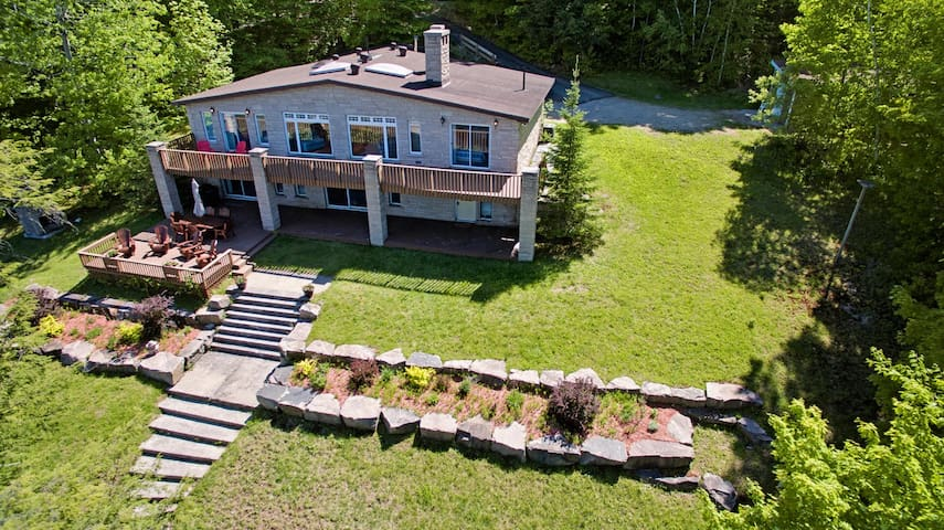 Gem at Lake of Bays - Baysville - Cottage