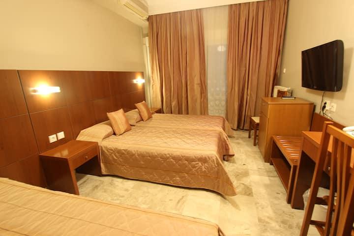 Hotel Mallas Nea Kallikratia Standard triple room