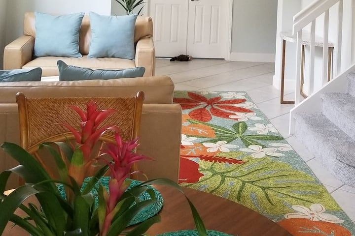 Airy Vibrant Villa in MAR-MAY to Relax Live & Play