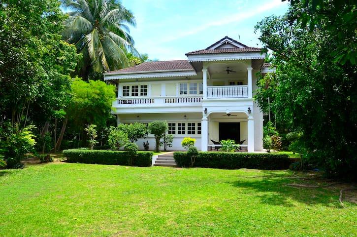 Entire beautiful 4beds House Samui.