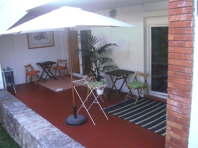 Quarto Single Jardim VI - Cascais - Bed & Breakfast