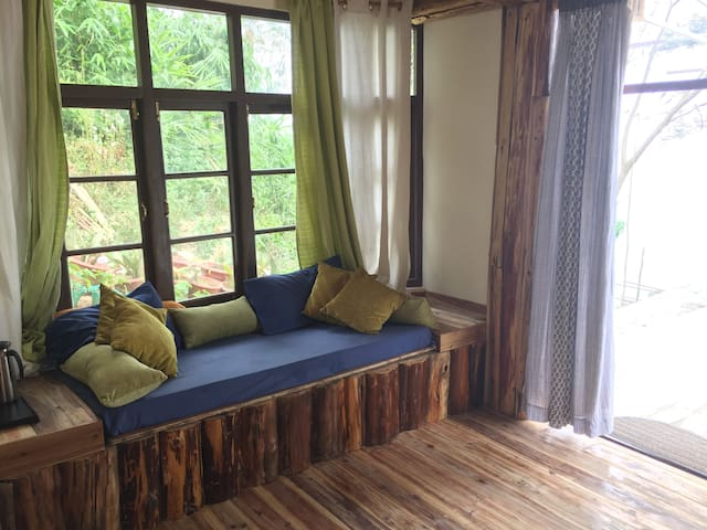 Mountain Suite @ Birdsong Home, Mirik