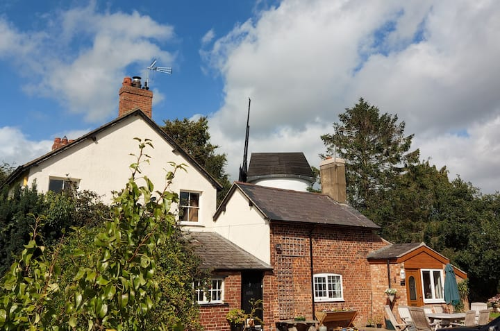 Beautiful 1-Bed Farmhouse Cottage in Chester