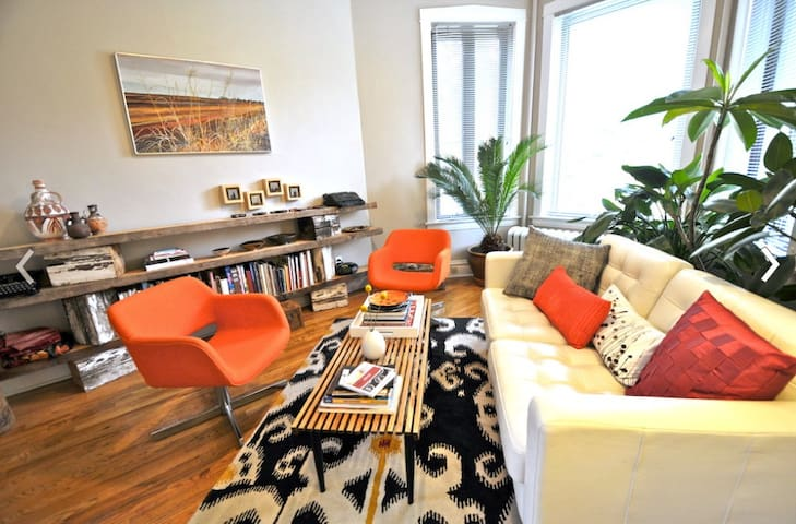 Hip Logan Square Apartment with Tropical Garden
