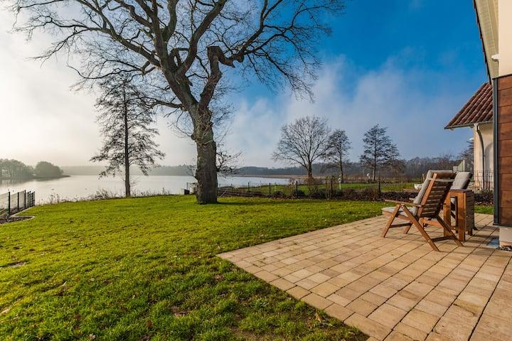 5 Sterne Ferienhaus am See mit Sauna-Kamin-103 m²