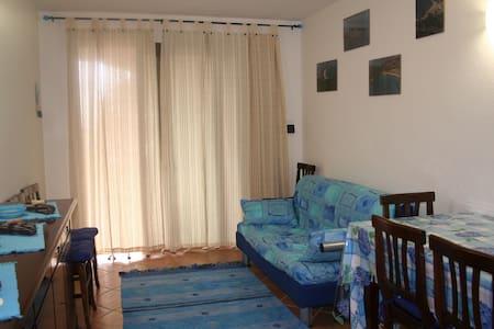Case con vista , comfort e relax , a Porto Pino.