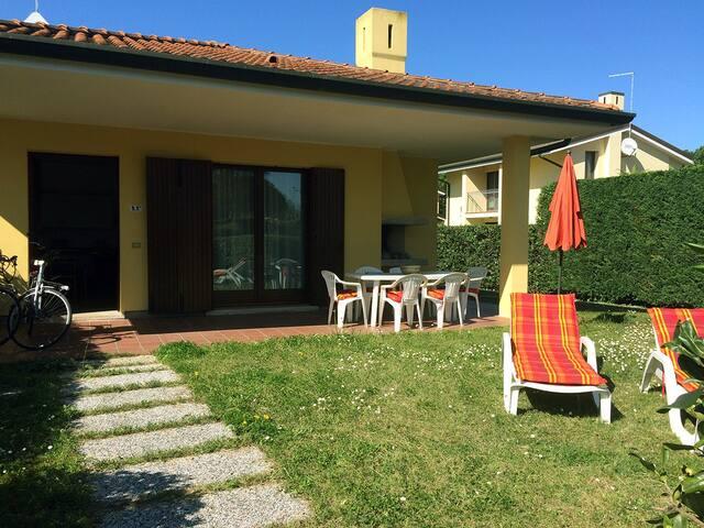 Casa con giardino in riserva naturale - Isola Albarella - House