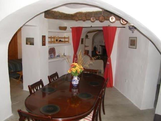 Beautiful Rural cavehouse & garden - Fuente Nueva - Gruta