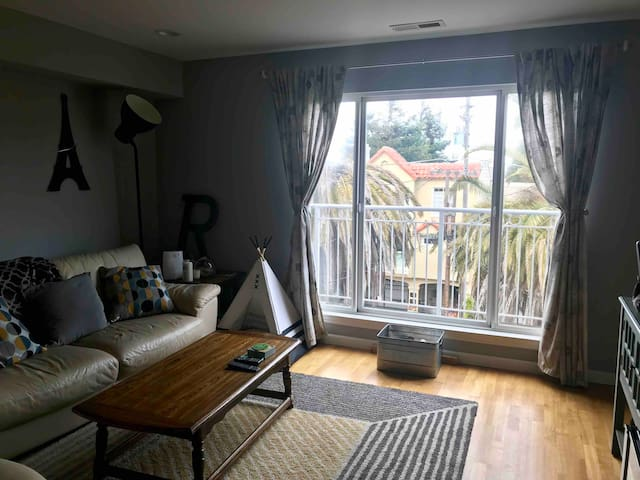 Great condo in bayview only 15 mins from SFO