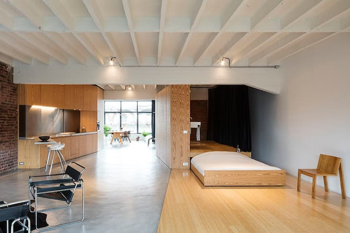 Loft Apartment near Tour & Taxis