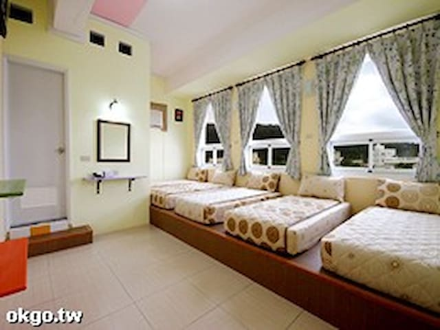 Green island See Star and back packer Hostel-五人房