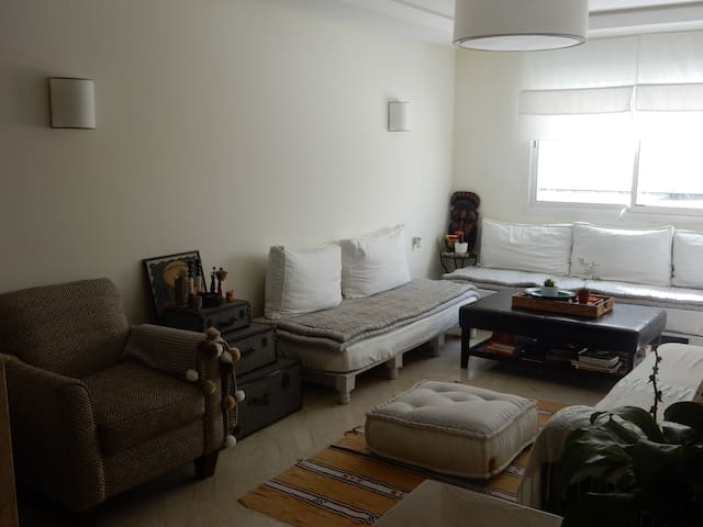 Artfully decorated apt in the heart of Hassan area - Rabat - Apartamento