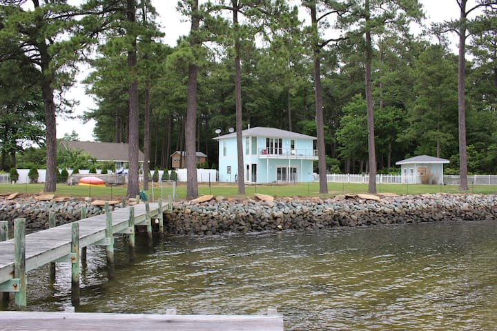 MOBJACK BAY WATERFRONT RETREAT
