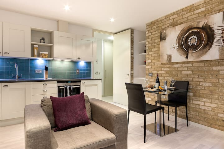 1 BR Snow Hill Serviced Apartment