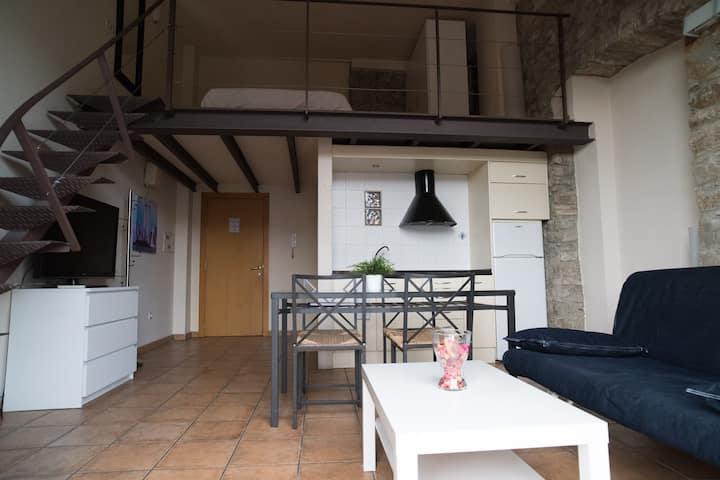 Apartamento Loft con altillo de madera en Manresa