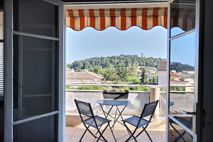 Appartement coquet avec belle vue collines et mer - Villeneuve-Loubet - Apartamento