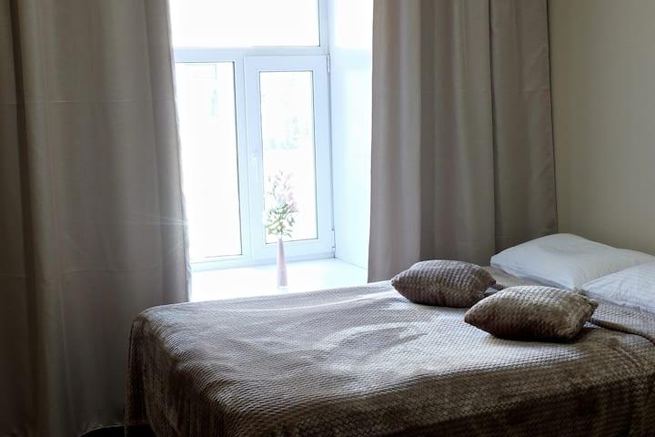 Уютная комнатка для двоих с удобствами на Восстания
