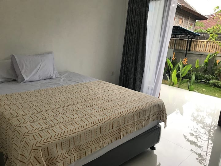 SALE Minimalist modern room near Batubolong beach