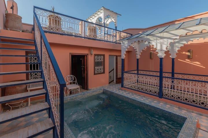 La Médina Riad 4 chambres | Jacuzzi sur terrasse