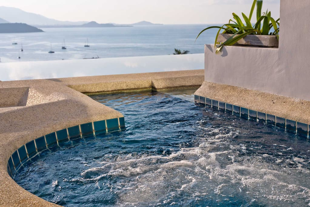 beach house sea view pool apartment with jacuzzi service apartments zur miete in ko samui. Black Bedroom Furniture Sets. Home Design Ideas