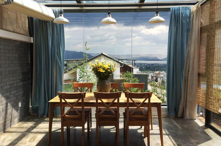 大理伴居海景阳光山房,复式公寓,古城边上专享你的苍山洱海