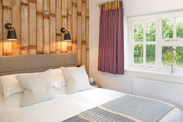Avon - Superior Double Room Bird & Carter Fonthill