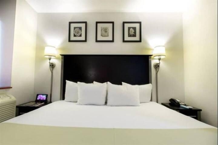 Manhattan - Cozy King Room