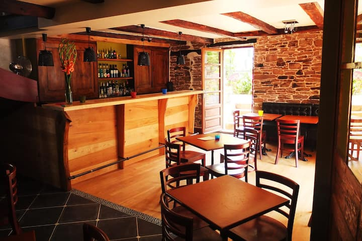 Chambres d'hôtes et bar à bières belges